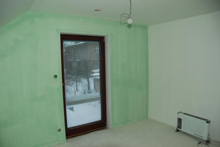 Pasivní dům - ložnice - malba ještě nestihla uschnout
