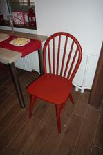 30 let staré, přetřené židle po babičce
