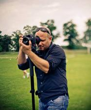 Náš kameraman :-), už se moc těšíme