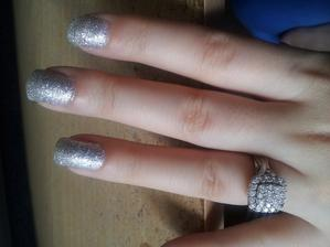 tento lak budem mat kedze krasne ide s mojim prstenom