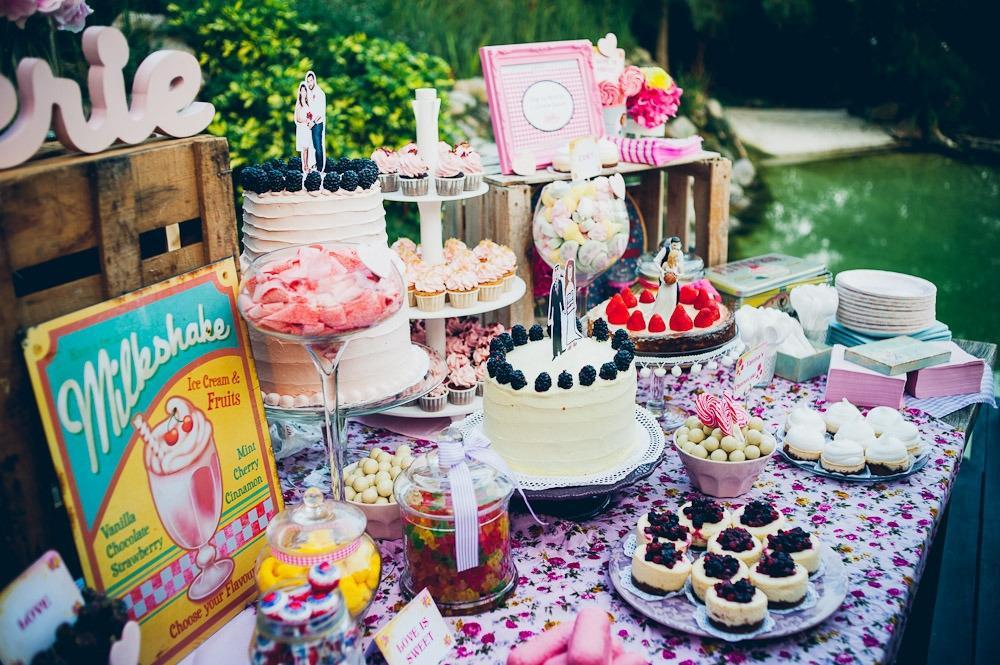 Candy bar alebo sladkosti na svadbe - Obrázok č. 17