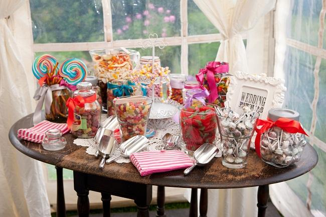 Candy bar alebo sladkosti na svadbe - Obrázok č. 60