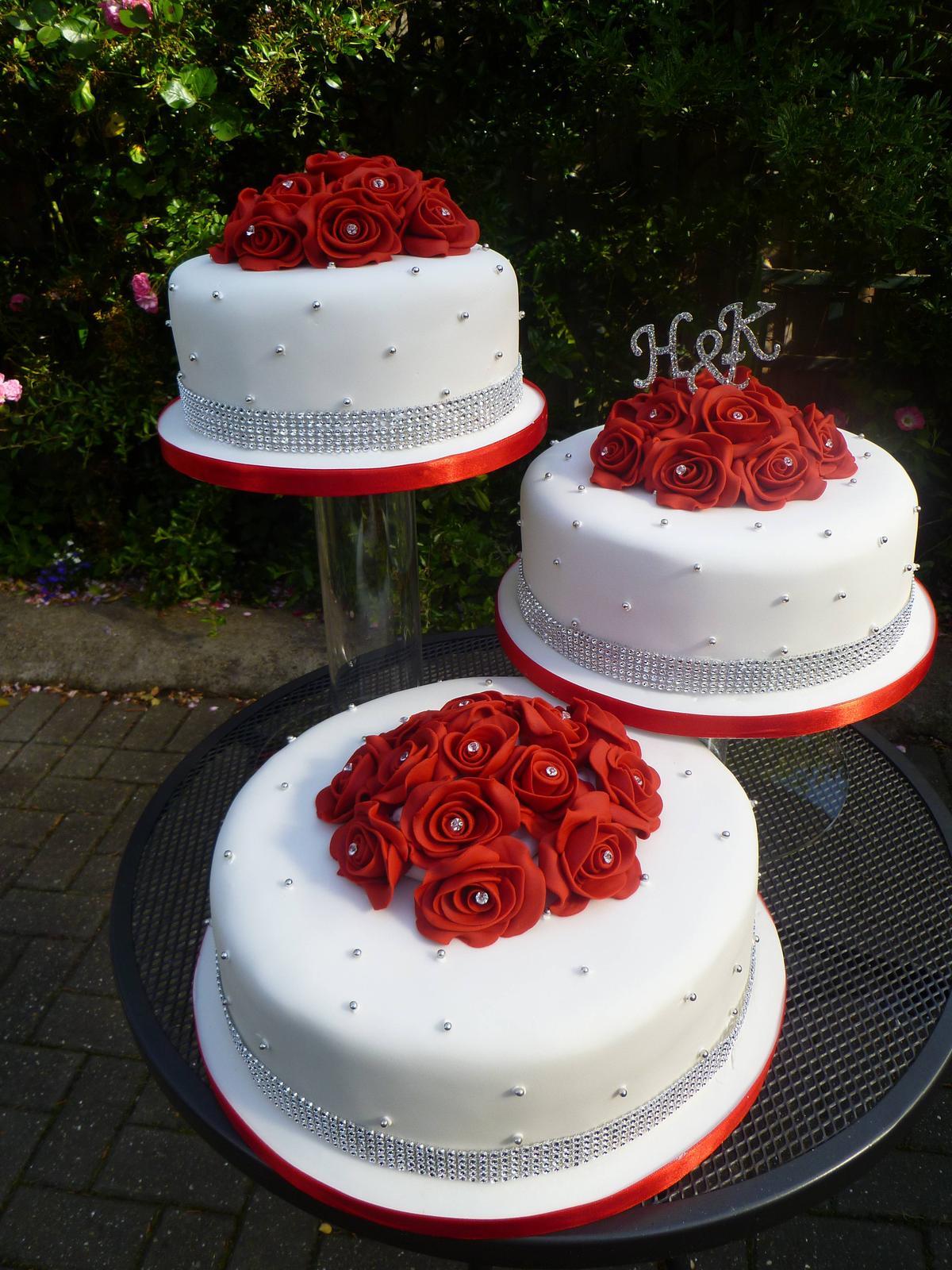 Červené torty inšpirácie - Obrázok č. 2