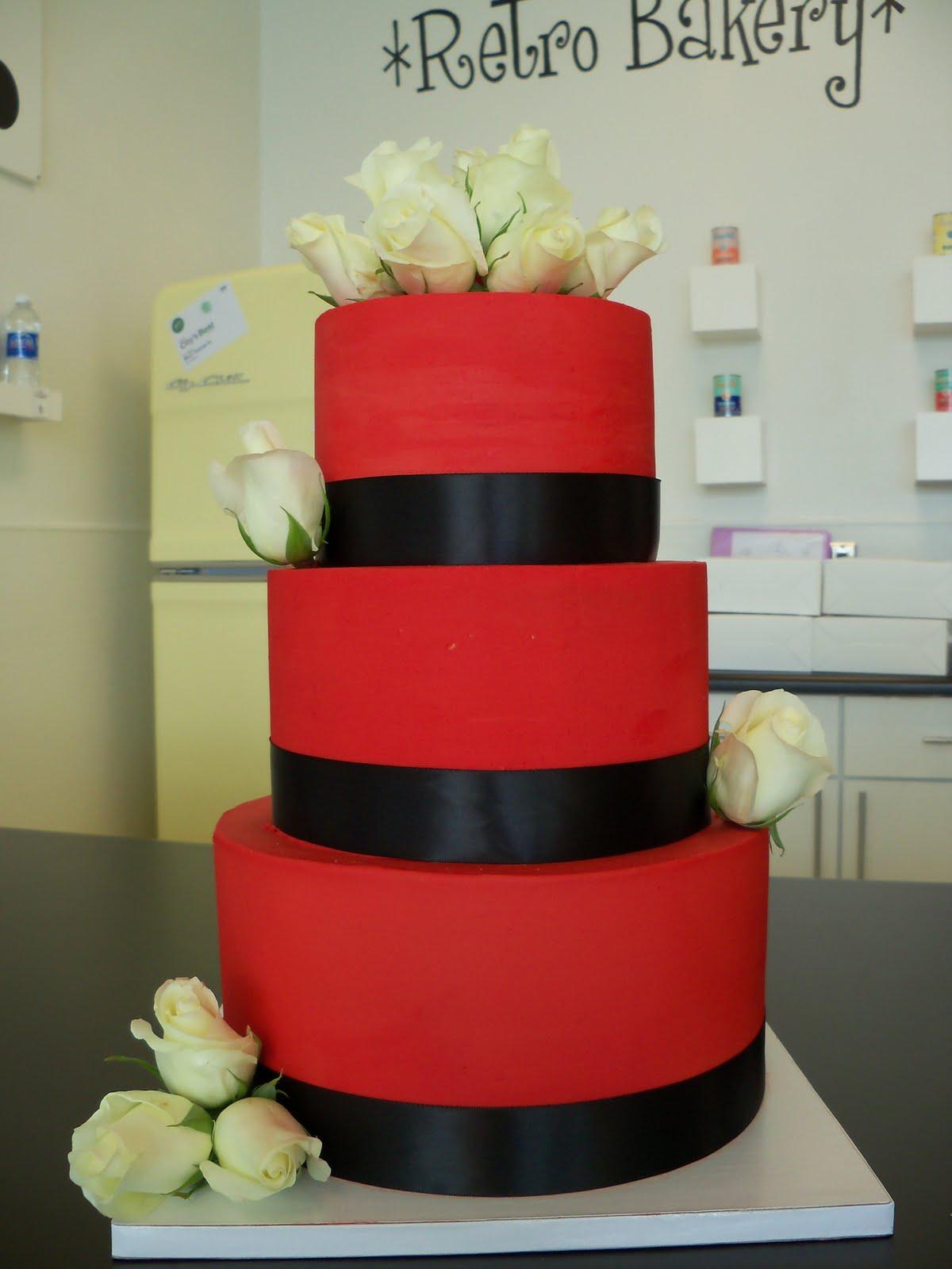 Červené torty inšpirácie - Obrázok č. 31