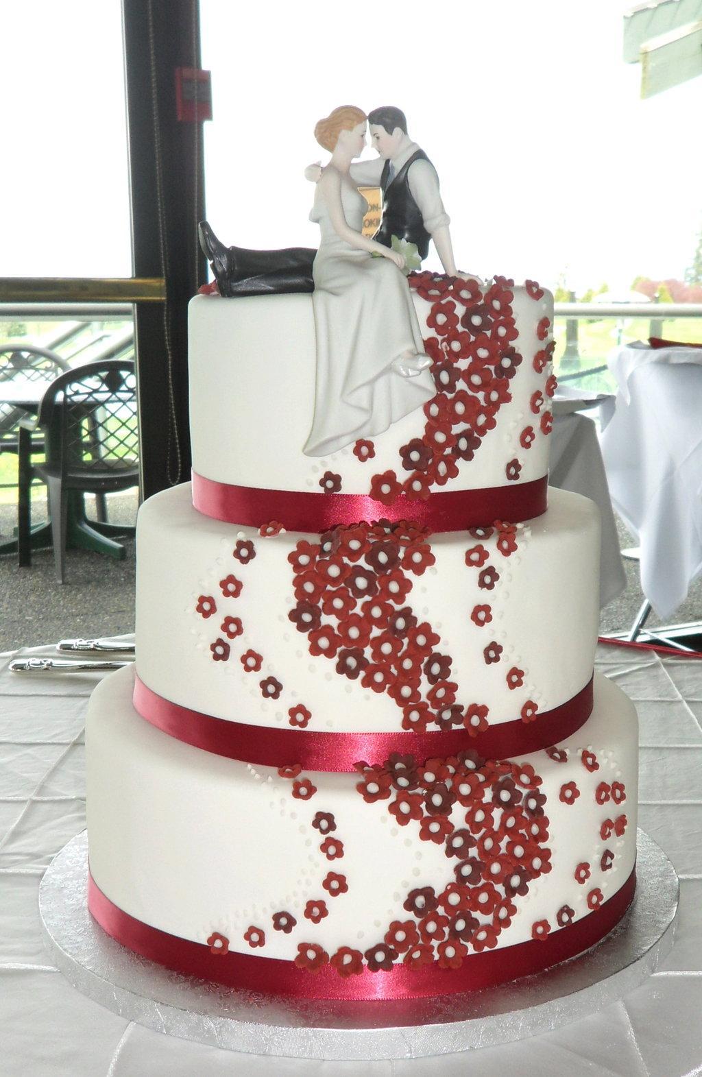 Červené torty inšpirácie - Obrázok č. 71
