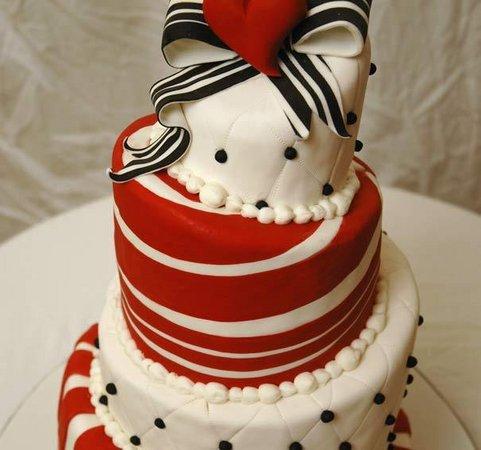Červené torty inšpirácie - Obrázok č. 74