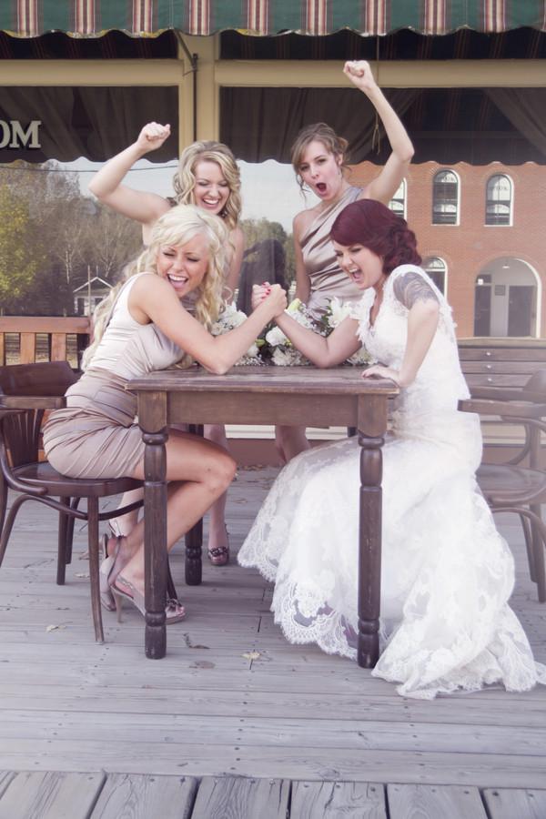 Zábavné svadobné fotografie inšpirácie - Obrázok č. 35