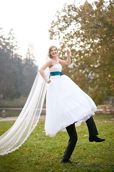 Zábavné svadobné fotografie inšpirácie - Obrázok č. 42