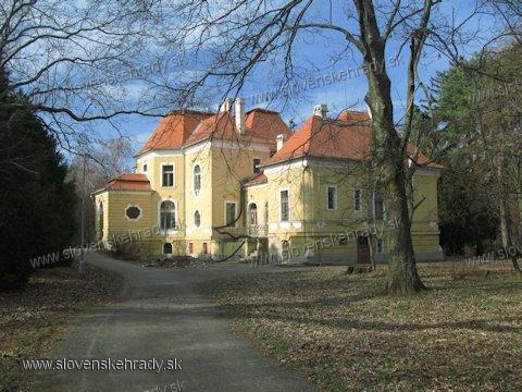 Kaštiele a zámky na Slovensku - Bab