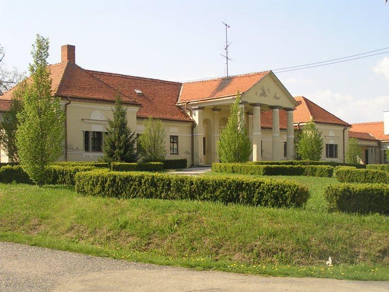 Kaštiele a zámky na Slovensku - Kalinciakovo