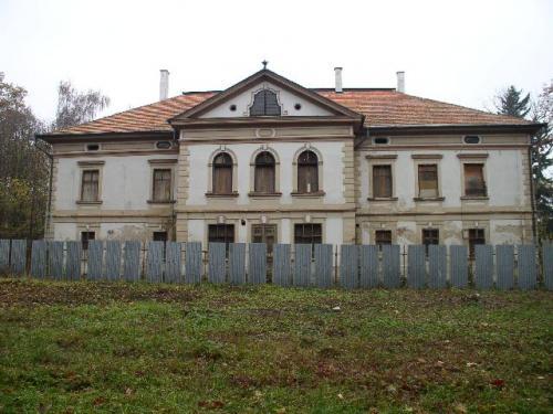 Kaštiele a zámky na Slovensku - Sisov