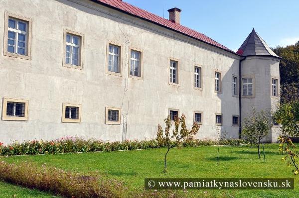 Kaštiele a zámky na Slovensku - Plavecke Podhradie