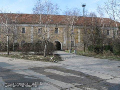 Kaštiele a zámky na Slovensku - Biely Kostol