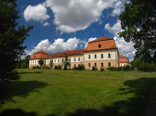 Kaštiele a zámky na Slovensku - Tovarniky
