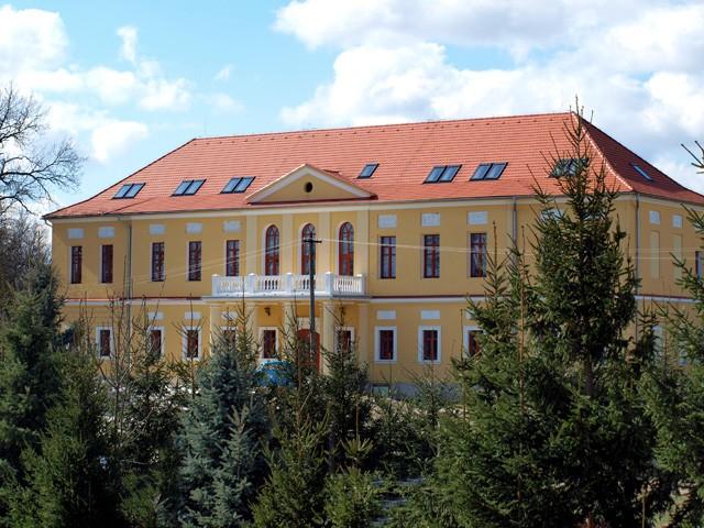 Kaštiele a zámky na Slovensku - Hokovce