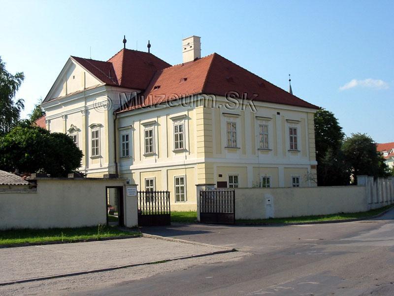 Kaštiele a zámky na Slovensku - Dunajska Streda