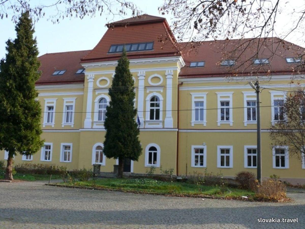 Kaštiele a zámky na Slovensku - Filakovo
