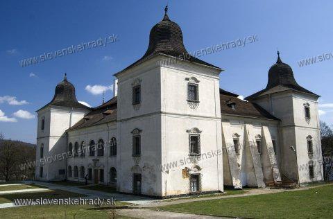 Kaštiele a zámky na Slovensku - Hanusovce nad Toplou