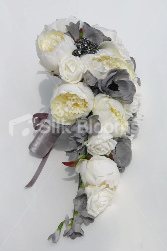 Sivé/strieborné kytice inšpirácie - Obrázok č. 38