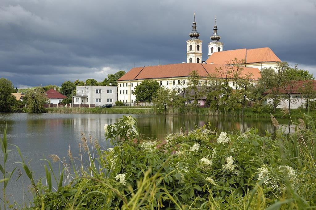Krásne miesta Slovenska vhodné na svadobné fotenie - Šaštín Stráže
