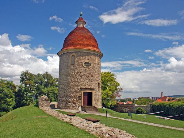 Krásne miesta Slovenska vhodné na svadobné fotenie - Skalica