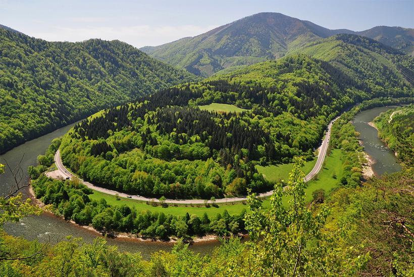 Krásne miesta Slovenska vhodné na svadobné fotenie - Domašínsky meander