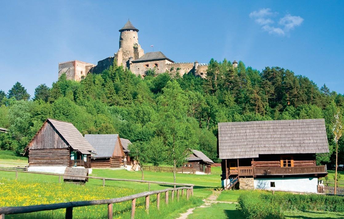Krásne miesta Slovenska vhodné na svadobné fotenie - Hrad ľubovňa
