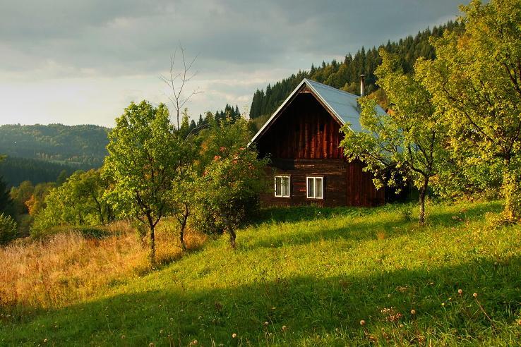 Krásne miesta Slovenska vhodné na svadobné fotenie - Mračkovská chalúpka