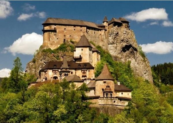 Krásne miesta Slovenska vhodné na svadobné fotenie - Oravský hrad