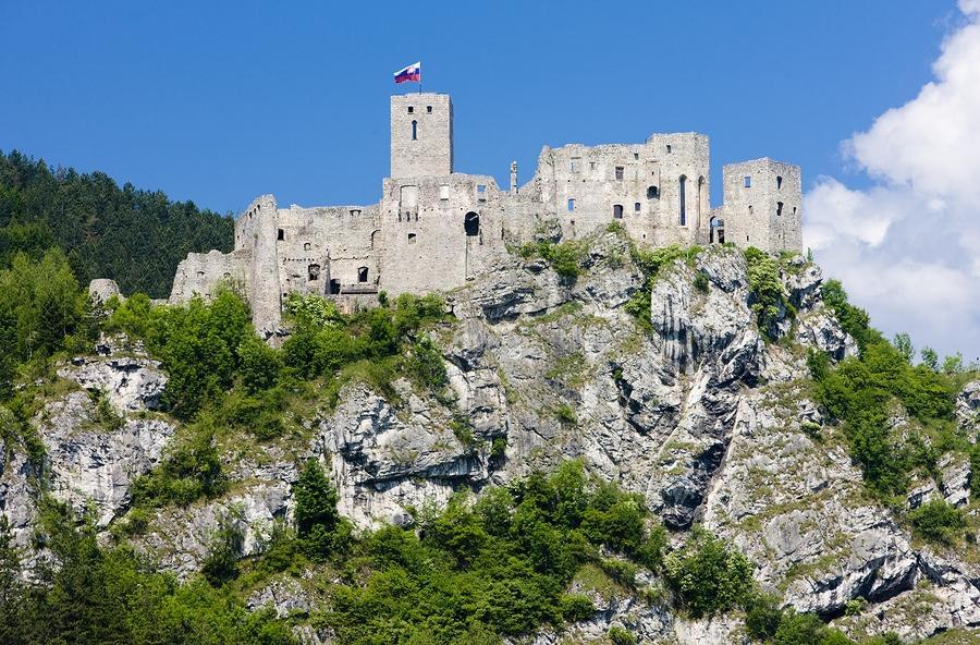 Krásne miesta Slovenska vhodné na svadobné fotenie - Strečno