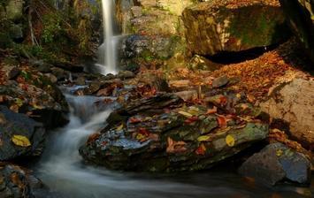 Starohutský vodopád (Zdroj - www.jedlovekostolany.sk)