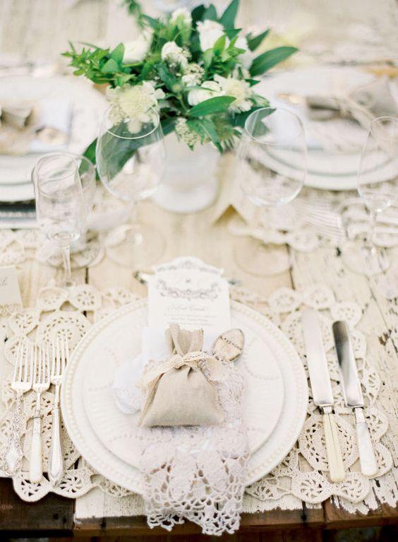 Nazdobenie stola alebo umenie prestrieť stôl do krásy. - Obrázok č. 9