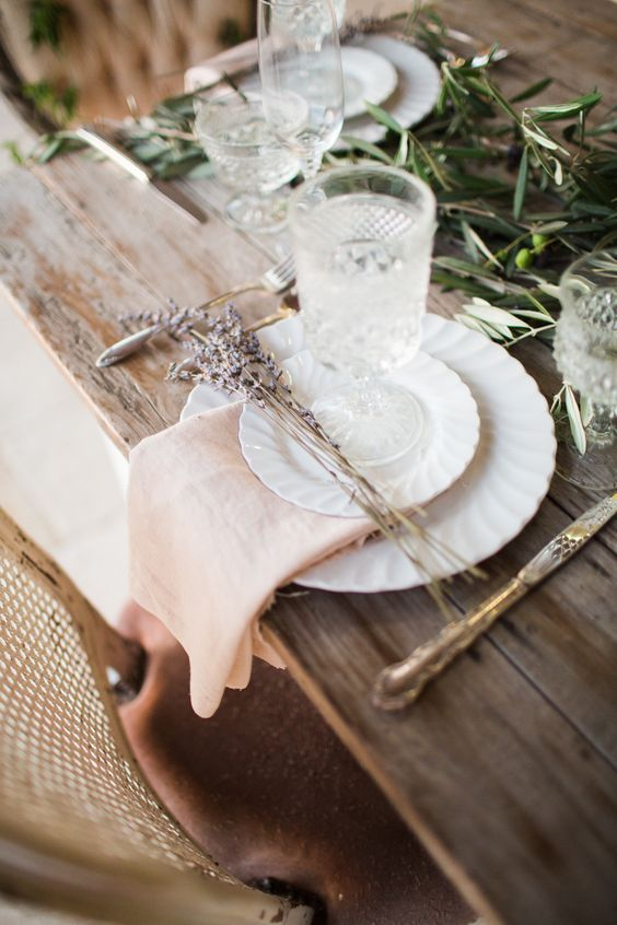 Nazdobenie stola alebo umenie prestrieť stôl do krásy. - Obrázok č. 38