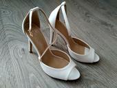 Bílé páskové boty, 37