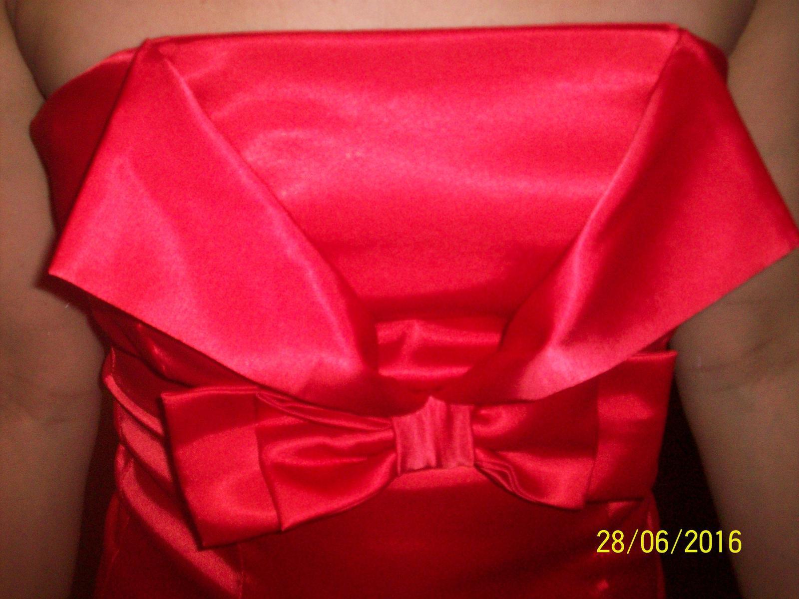 červené saténové minišaty - Obrázok č. 3