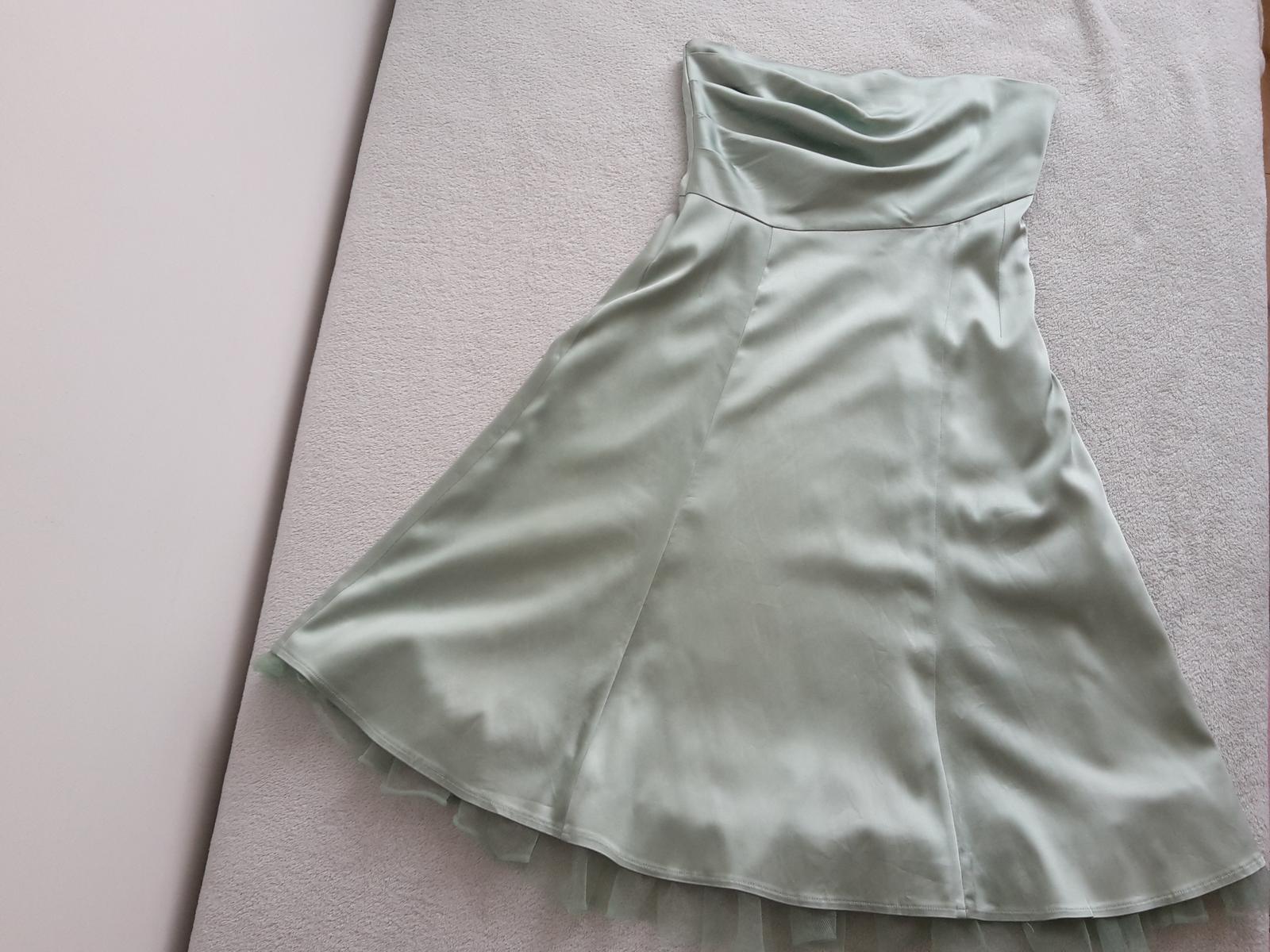 Nenosené saténové šaty - Obrázok č. 1