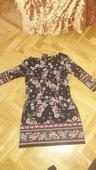 Květované šaty, 42