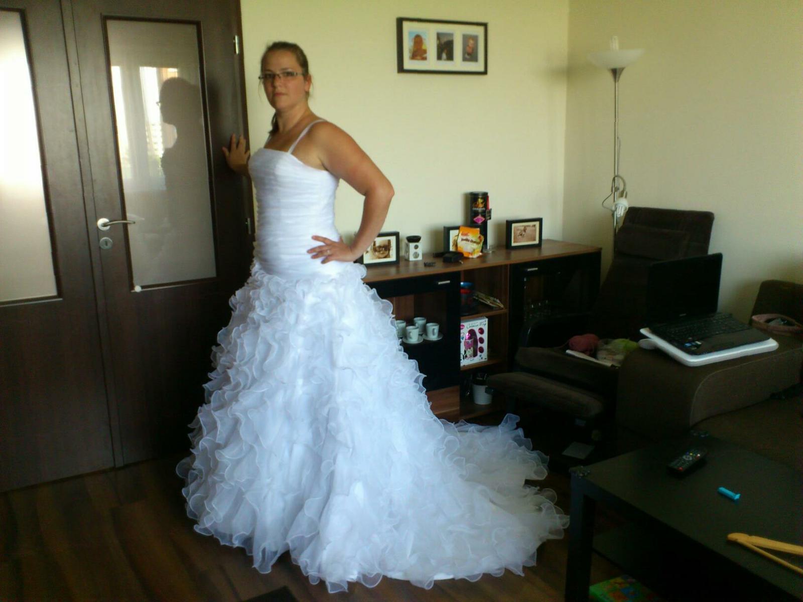 389d0db57 24. máj 2012 o 13:02 • Svadba bola v júni 2012 • Odpovedz • Páči sa mi to •