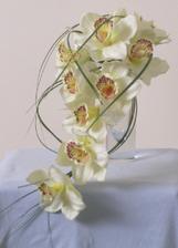 kyticu budem mat z orchidey ale z bordovo-bielej