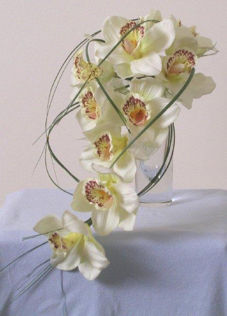 Suz+Sam - kyticu budem mat z orchidey ale z bordovo-bielej