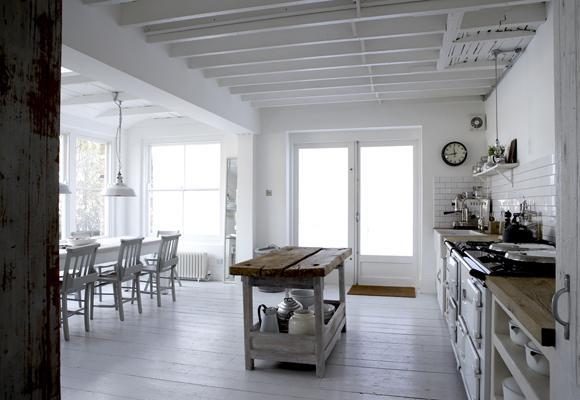 Drevo a biela v kuchyni - Obrázok č. 6