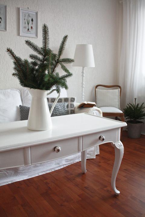 Hnízdo - Můj milovaný stůl ... dominanta našeho obýváku..