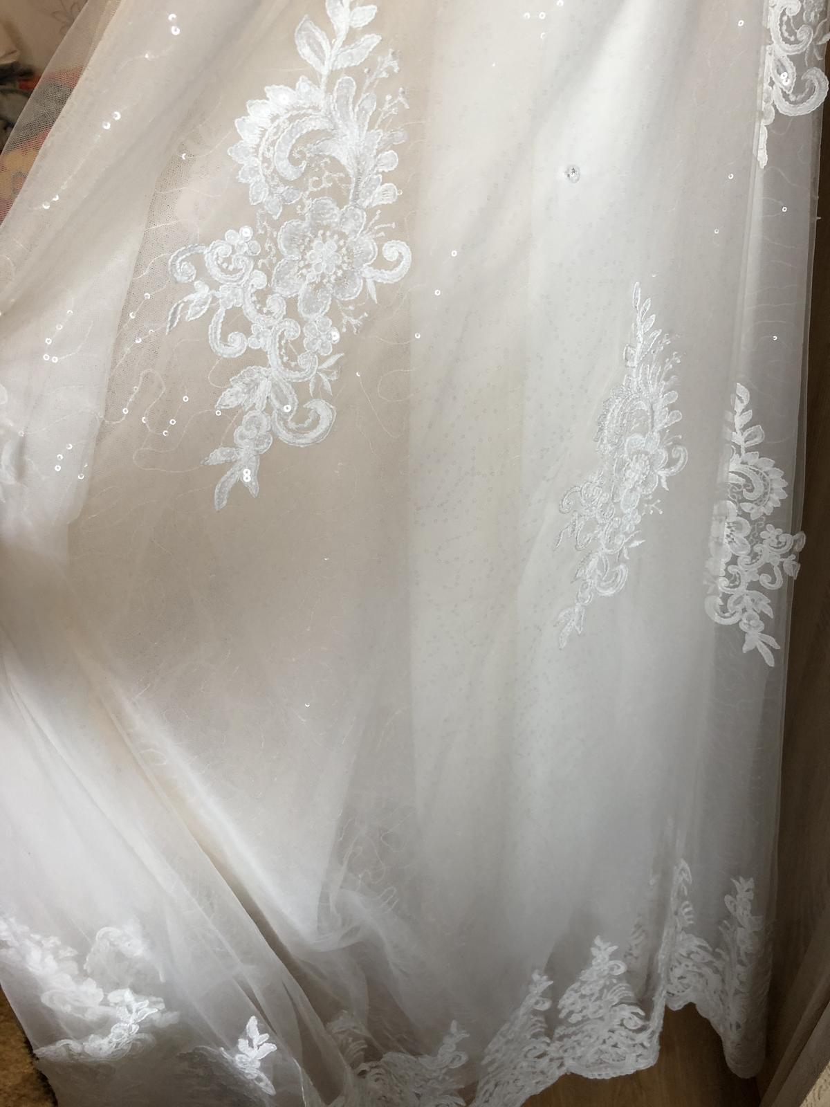 Nepoužité svadobné saty - Obrázok č. 1