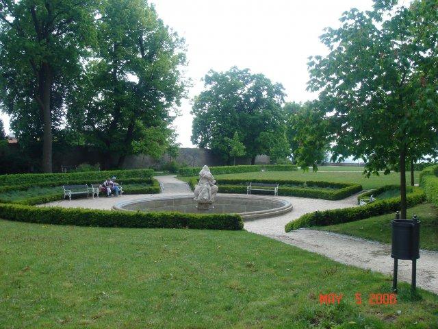 An&Rom 26.8. zamek Mikulov - zamecka zahrada
