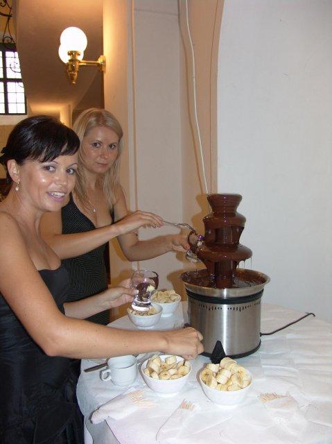 Andrea{{_AND_}}Roman - cokoladove fontane jsem neodolavali