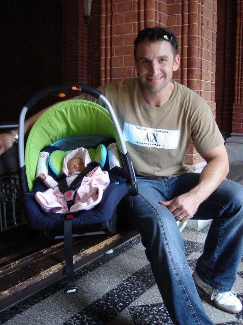 Andrea{{_AND_}}Roman - štastný tatínek