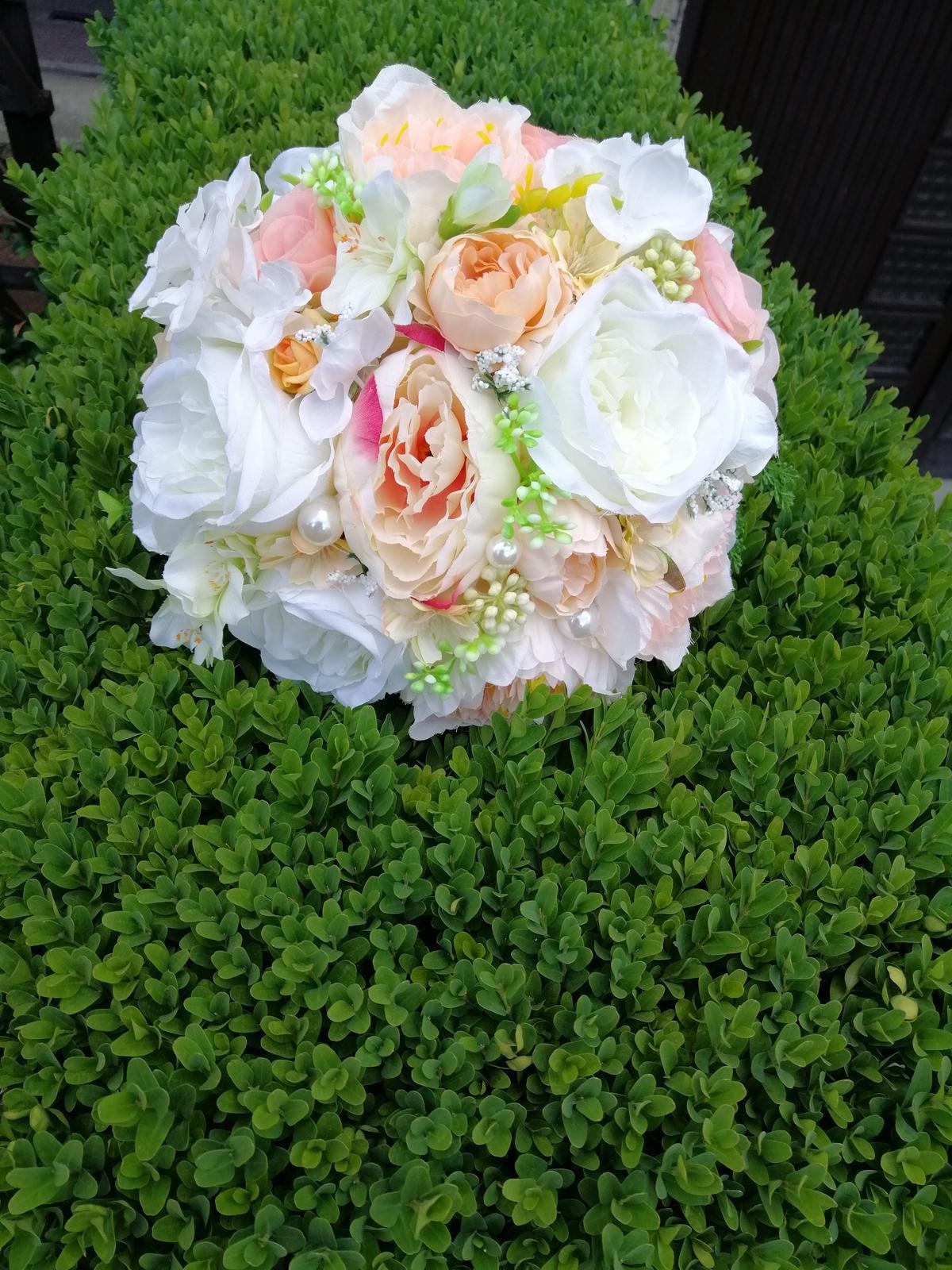 Svadobná kytica a pierko pre ženícha - Obrázok č. 1