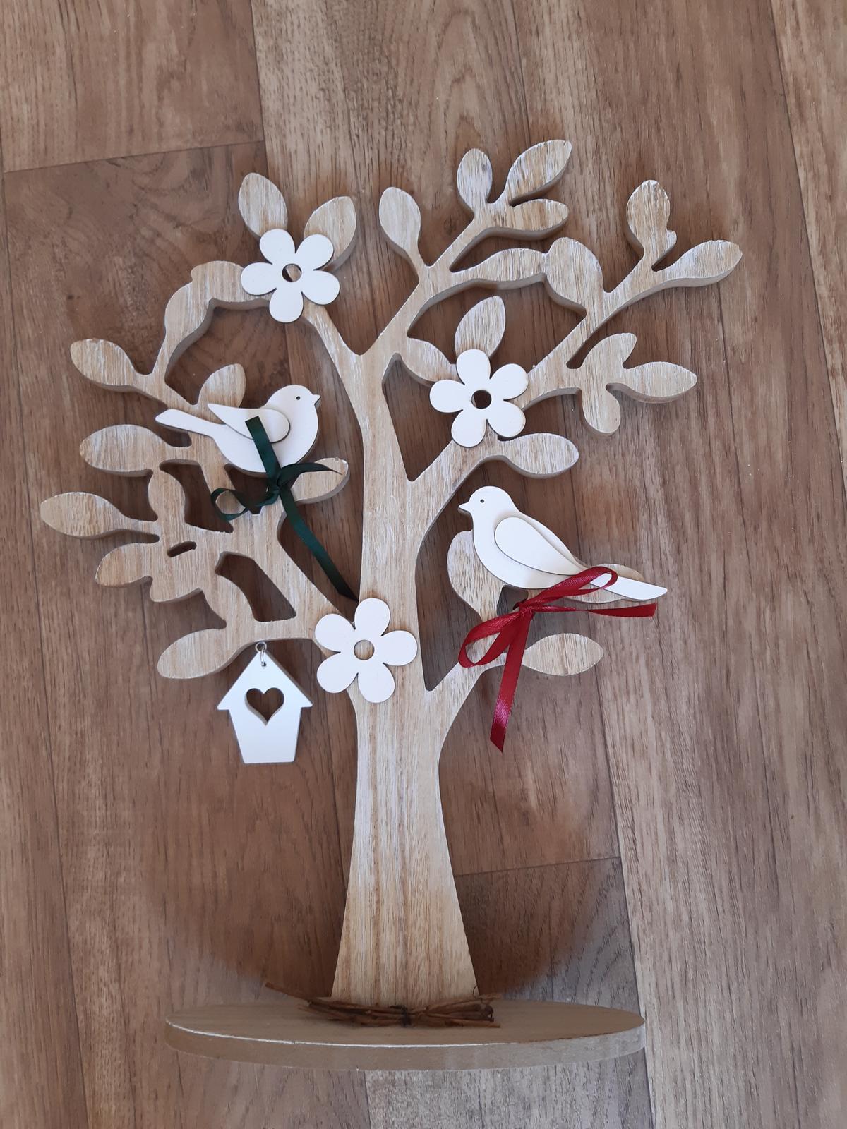 dřevěný strom, dekorace s ptáčky - Obrázek č. 1