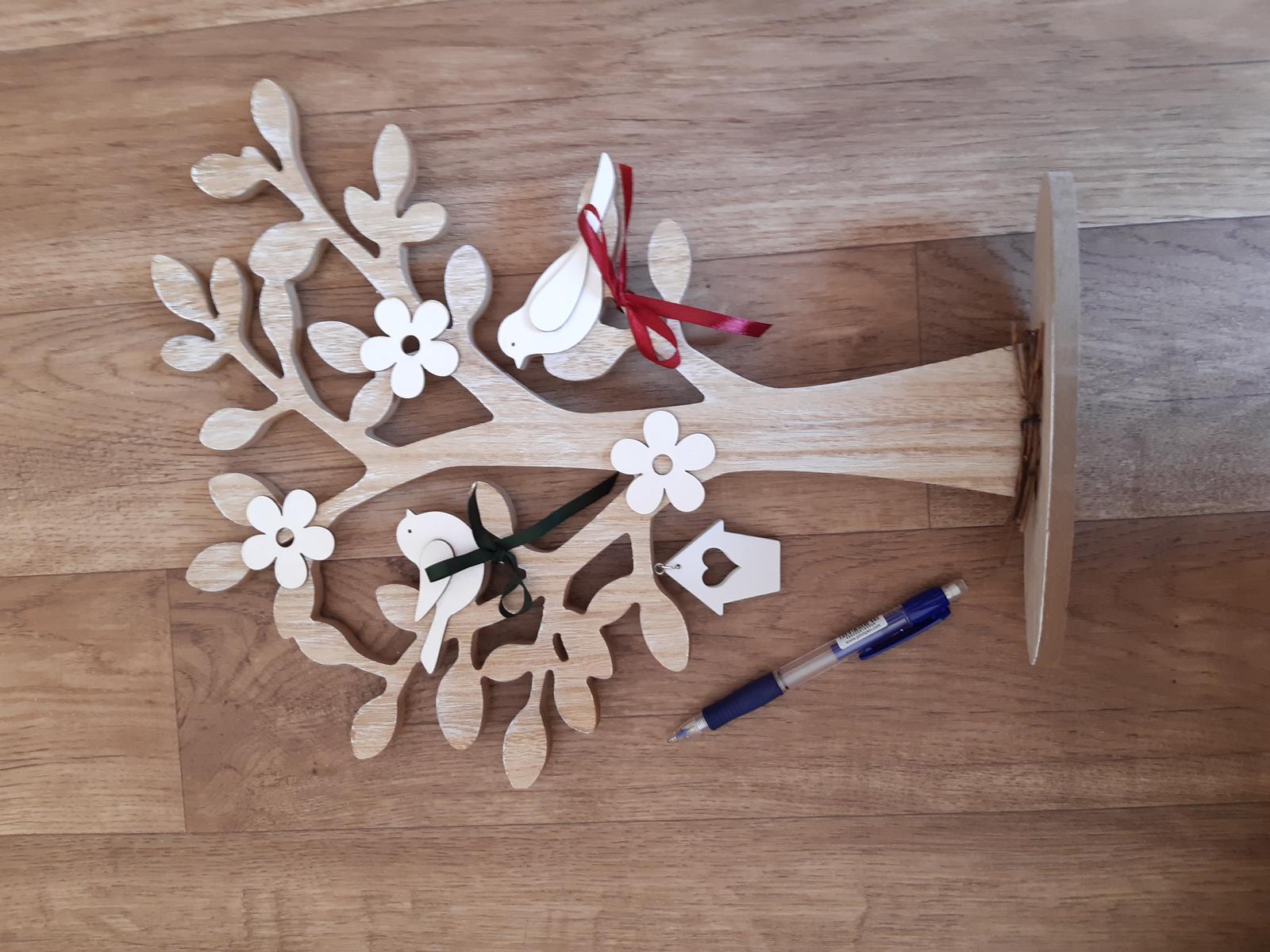 dřevěný strom, dekorace s ptáčky - Obrázek č. 3