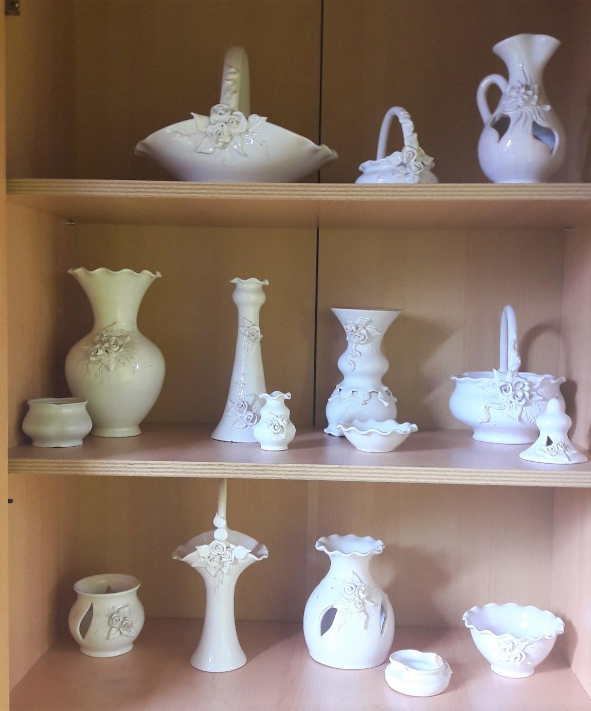 Predám súpravu keramiky - Obrázok č. 1